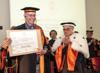 Honorary Degree awarded to Michael Pollan